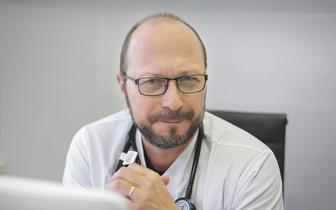 Pacjenci z chorobami  wątroby powinni się szczepić przeciw COVID-19
