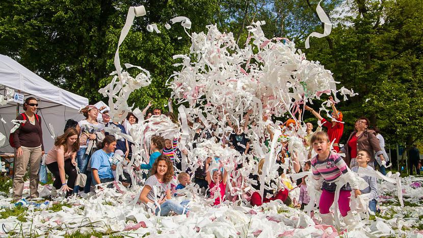 Bitwa na kolorowy papier toaletowy