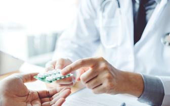 Wojciech Wiśniewski o Funduszu Medycznym: Zapisy projektu ustawy ograniczają dostęp pacjentów do terapii