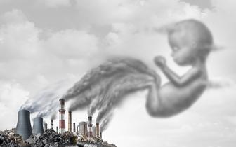 Zanieczyszczenia powietrza mogą zaburzać rozwój płodu i wzrost dzieci [BADANIA]