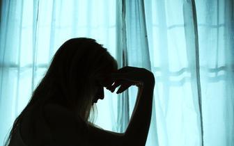 Ponad 42 proc. Polaków zauważa u siebie pogorszenie zdrowia psychicznego w związku z pandemią