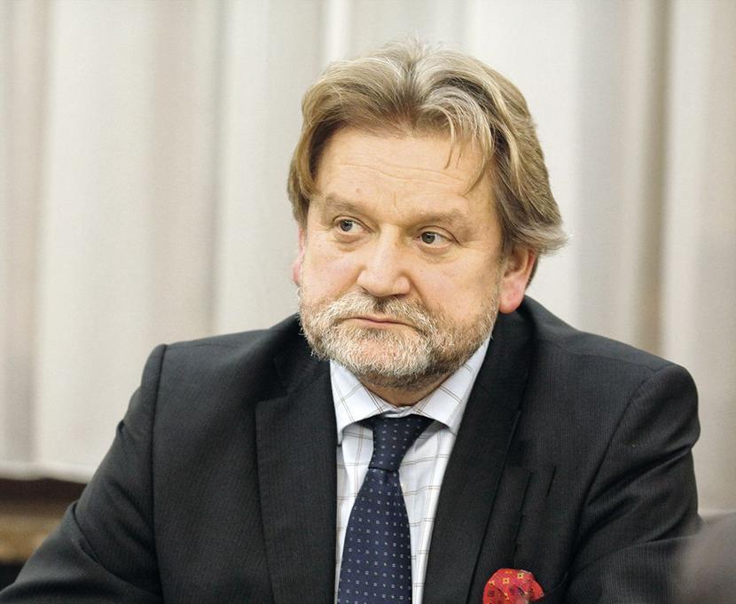 Dr Jarosław Pinkas