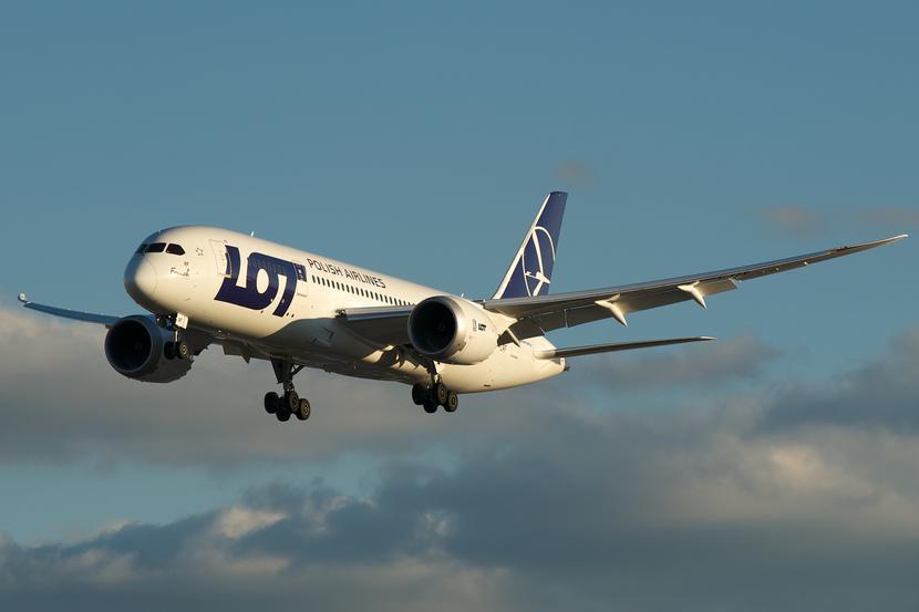 Boeing 787 Dreamliner w barwach PLL LOT