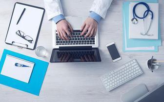 """MZ: lekarz specjalista będzie miał dostęp do EDM pacjenta """"z automatu"""""""