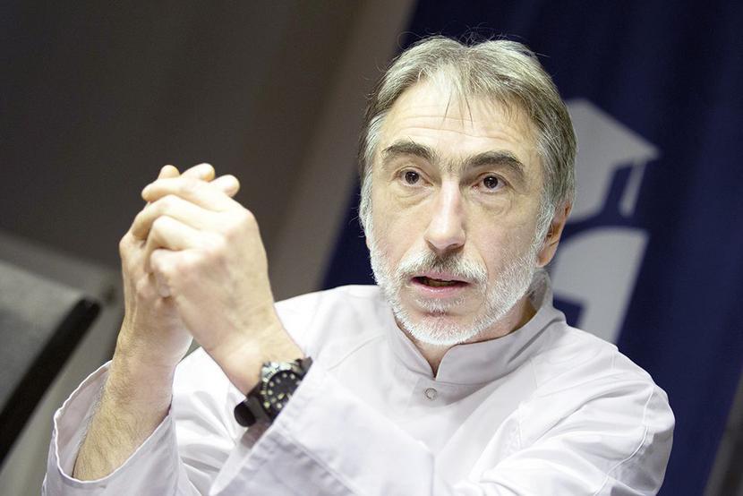 dr n. med. Adam Domanasiewicz