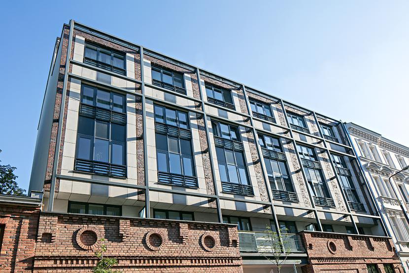 Fabryczna fasada: