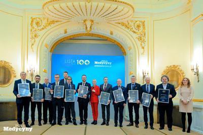 Podczas gali pamiątkowe dyplomy odebrali zdobywcy pierwszych 10 miejsc Listy Stu najbardziej wpływowych osób w polskiej medycynie i Listy Stu najbardziej wpływowych osób w systemie ochrony zdrowia.