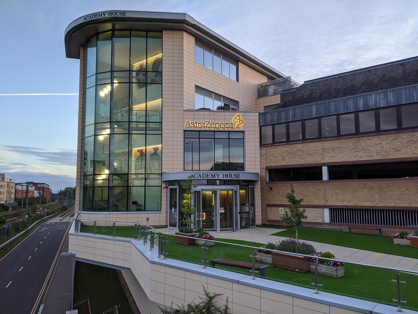 Główna siedziba koncernu farmaceutycznego AstraZeneca w Cambridge