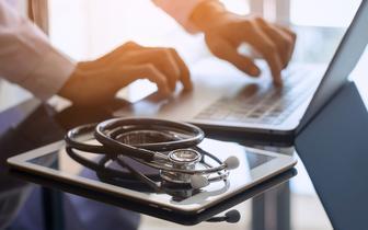 Kształcenie lekarzy w szkołach zawodowych: ORL w Warszawie żąda od MZ rezygnacji z pomysłu