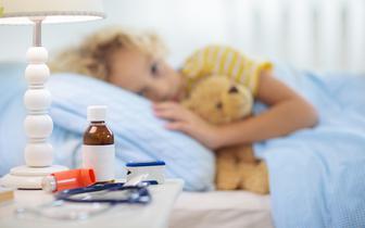 Lekarze rodzinni : zaświadczenia o szczepieniu dzieci to absurd