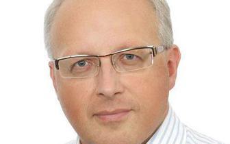 Prof. Flisiak: średnia wieku osób hospitalizowanych z powodu COVID-19 będzie spadała