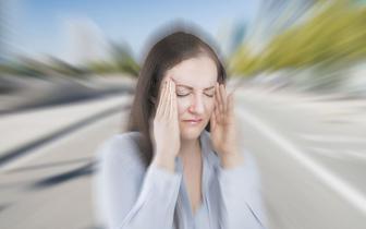 Ból głowy i migrena u kobiet – winne są hormony
