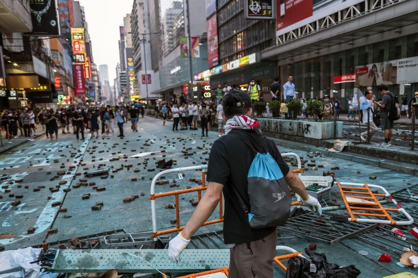 Protesty w Hongkongu z powodu rosnącej kontroli Chin, fot. Bloomberg