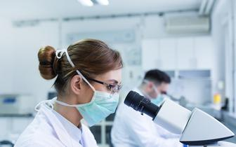 Polscy naukowcy opracowują sondy do precyzyjnego podglądania koronawirusa w komórkach