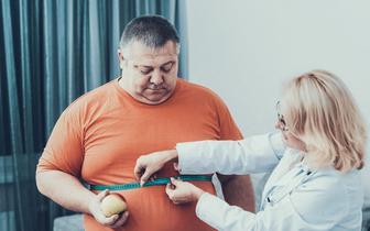 Pacjent z otyłością wymaga kompleksowego leczenia