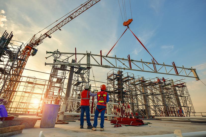 Na potrzeby budownictwa:Drek ma duży park maszynowy, specjalizuje się głównie w szalunkach i rusztowaniach, na które jest duże zapotrzebowanie na rynku.