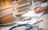 Lekarz ma prawo do płatnego urlopu szkoleniowego przed PES