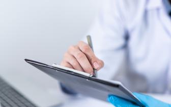 """""""Niezależni"""" lekarze i naukowcy piszą kolejny list, tym razem do ministra zdrowia"""