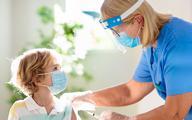 """Wlk. Brytania: szczepienie dzieci przeciw COVID-19 ma """"zbyt mały margines korzyści"""""""