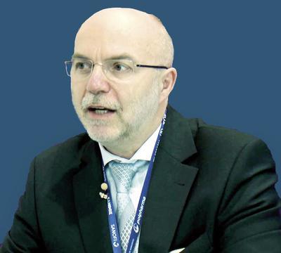 Dr hab. n. med. Piotr Rozentryt: Ważne jest, abyśmy modyfikowali terapię ze względu na uzyskiwaną odpowiedź. Spośród diuretyków pętlowych mamy w Polsce do wyboru dwa: torasemid i furosemid.