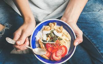 Chorzy na łuszczycę i ŁZS powinni polubić ciemnoczerwone owoce