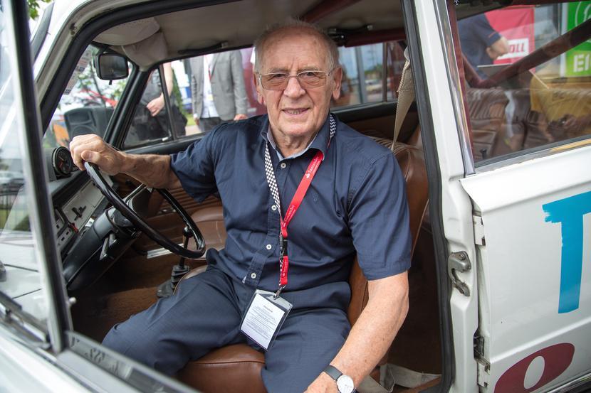Sobiesław Zasada, najbardziej utytułowany polski kierowca rajdowy, a od trzech dekad potentat rynku samochodowego, podobnie jak Mirosław Cichy, docenia korzyści konsolidacji z dokonanej pod koniec 2020 r.