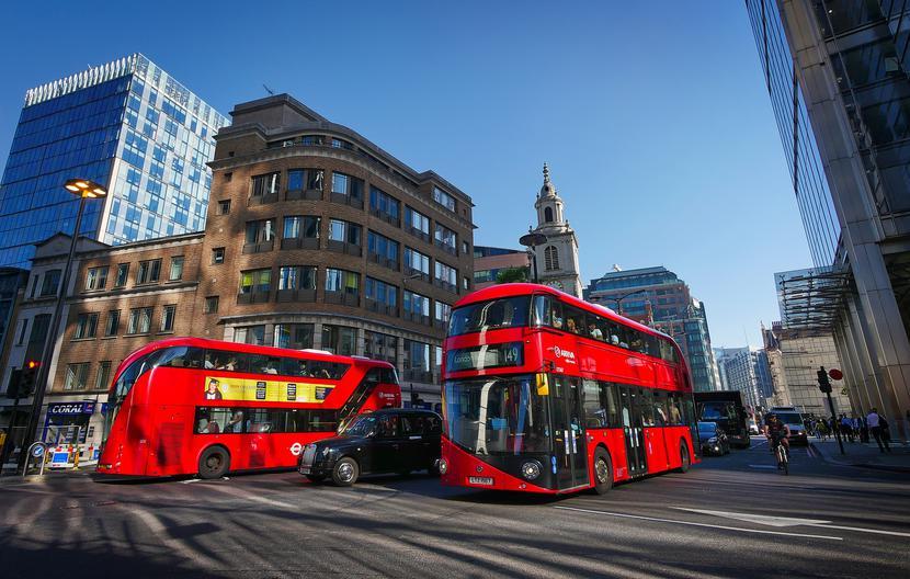 Piętrowe autobusy miejskie w Londynie