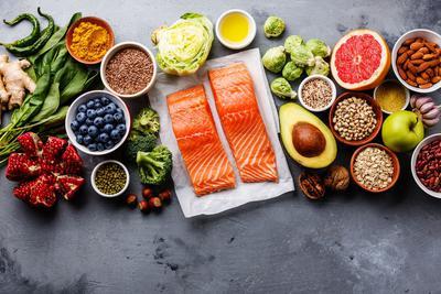 Duże spożycie warzyw, owoców, całych ziaren zbóż, orzechów, nasion, ryb i olejów zmniejsza ryzyko nie tylko chorób układu krążenia czy metabolicznych, ale także depresji, stanach lękowych i zaburzeń poznawczych np. choroby Alzheimera.
