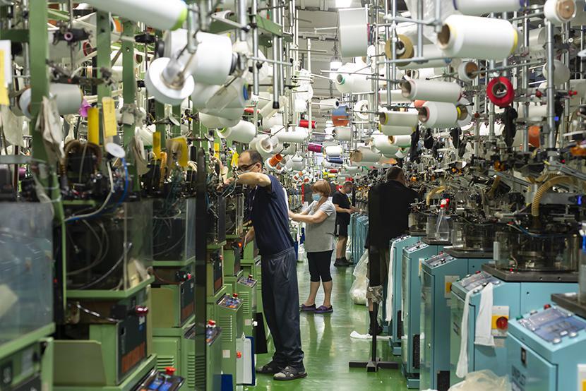 Własna fabryka: