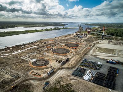 Plac budowy morskiego terminala gazowego w ramach projektu Polimery Police Grupy Azoty.