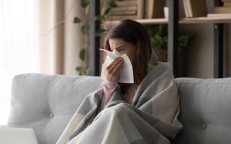 Przeziębienie chroni przed COVID-19 [BADANIA]