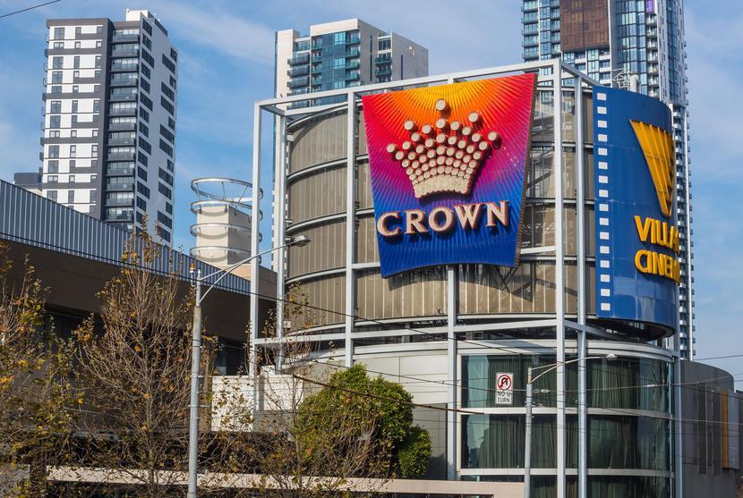 Logo Crown Resorts na kasynie w Melbourne