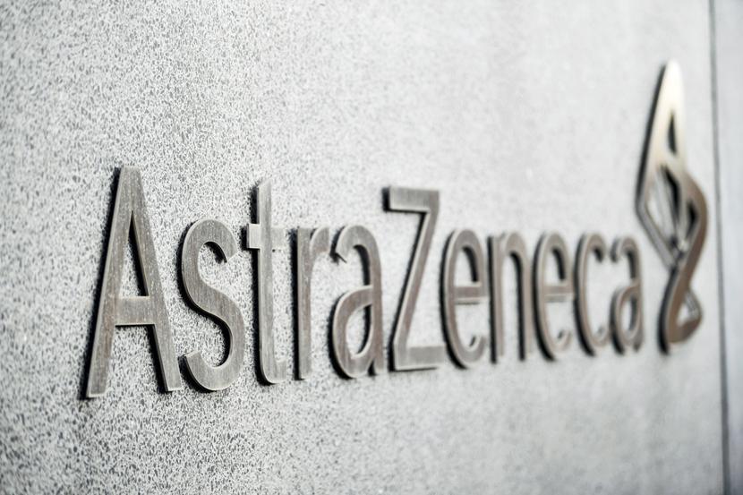 AstraZeneca logo fot. Bloomberg