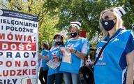 Pielęgniarki z OZZPiP chcą sprostowania od MZ. Oskarżają o manipulację ws. zarobków