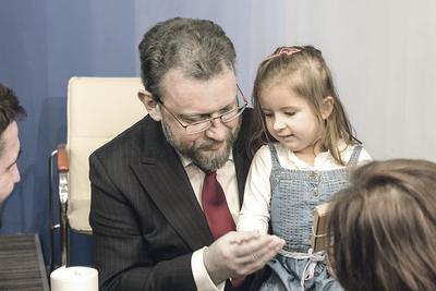 Prof. Łukasz Szumowski: Objęcie refundowaną terapią wszystkich chorych na SMA w Polsce to niewątpliwy sukces, którego nie udałoby się osiągnąć bez determinacji pacjentów i ich rodzin oraz wysiłków lekarzy specjalistów.