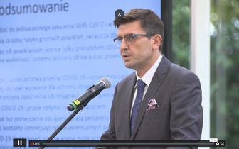 Polscy eksperci rekomendują jednoczasowe stosowanie szczepionek przeciw grypie i COVID-19