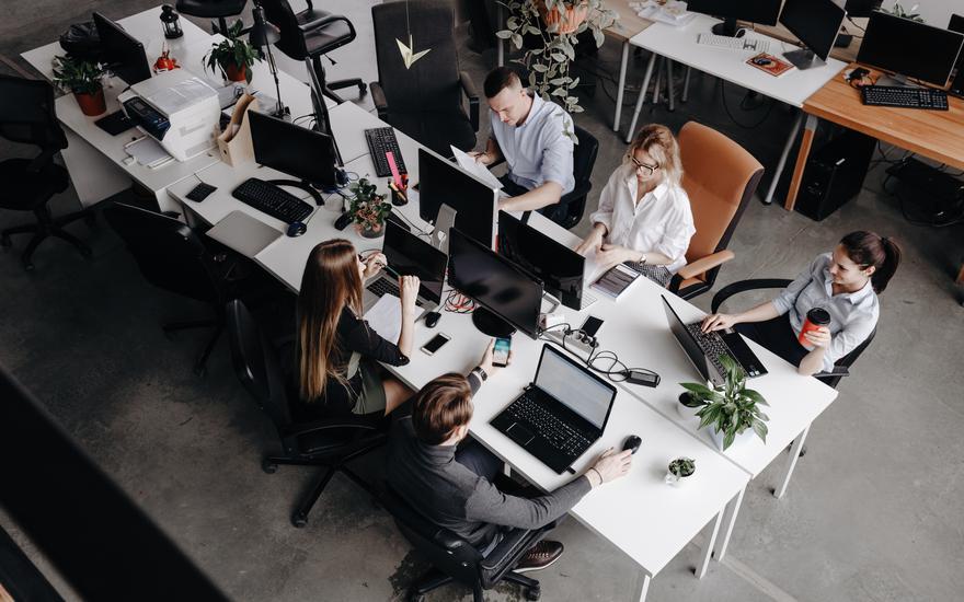 Czym firmy zachęcą do powrotu do biur