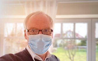 Okulary tarczą chroniącą przed koronawirusem?