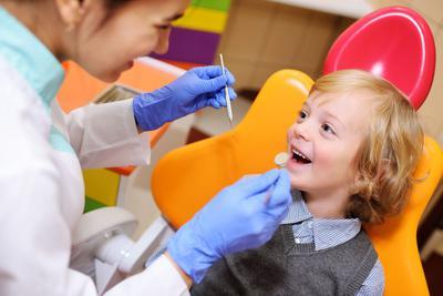 Według Ogólnopolskiego Monitoringu Stanu Zdrowia Jamy Ustnej i Jego Uwarunkowań 41,1 proc. czterolatków i aż 76,8 proc. pięciolatków ma próchnicę.