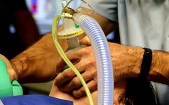 Prof. Czuczwar: na intensywnej terapii przebywają sami niezaszczepieni, młodzi ludzie