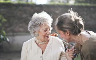 Jak fizjoterapeuta i dietetyk mogą pomóc pacjentowi z zespołem kruchości?