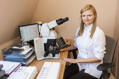 Dr Martyna Trzeszcz