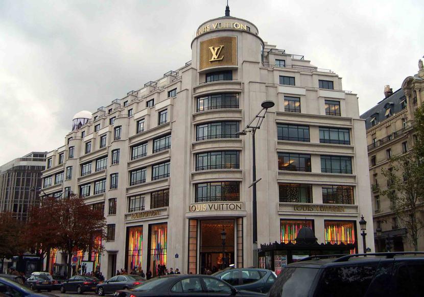 Louis Vuitton na Champs-Elysées w Paryżu