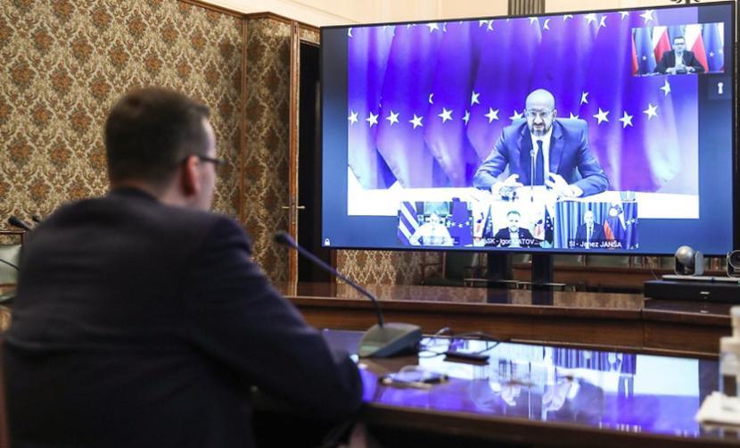 Mateusz Morawiecki gorączkowo szuka sojuszników dla zablokowania rozporządzenia w sprawie praworządności.  Fot. KPRM