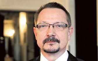 Jacek Krajewski: Koncepcję walki z pandemią trzeba dostosować do realiów praktyki lekarskiej