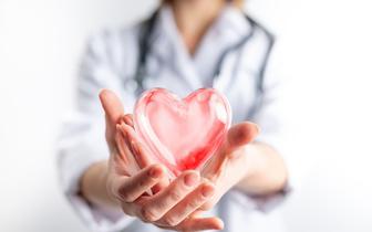 Chore serce daje o sobie znać najczęściej w trakcie wysiłku - mówi ekspert o sprawie Christiana Eriksena