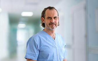 Prof. Robert Gasik: Pandemia COVID-19 powoduje wzrost zachorowań na zespoły bólowe kręgosłupa