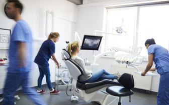 Epidemia COVID-19 a stomatologia: MZ zwiększa dostępność do świadczeń gwarantowanych