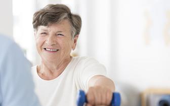 Pacjenci chorzy na osteoporozę dziękują za refundację denosumabu