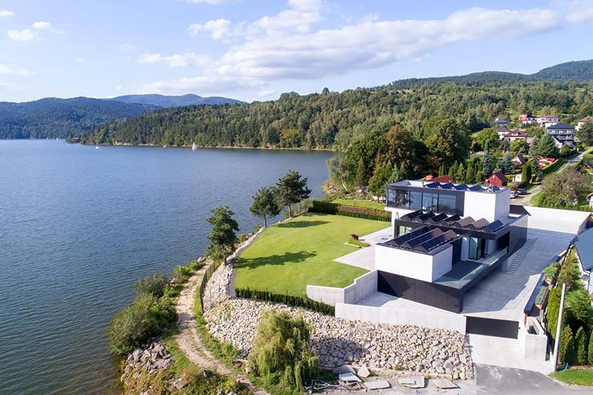 Re: Lakeside House